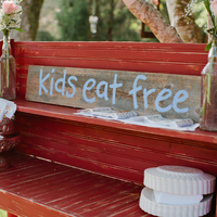 10 Ways to Keep Kids Occupied (and Well-Behaved!) During Your Wedding