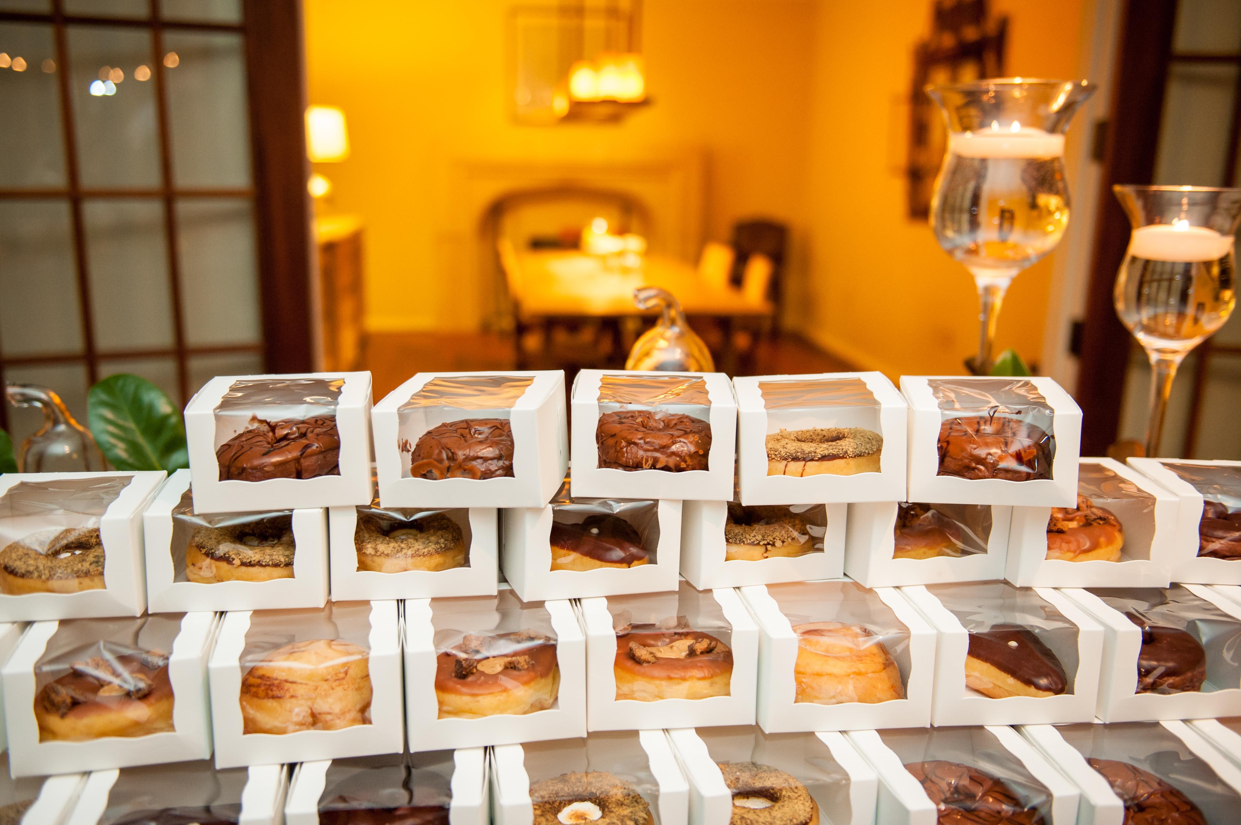 Wedding Favor Donut Bags : Doughnut Wedding Favors Doughnut Wedding Favors
