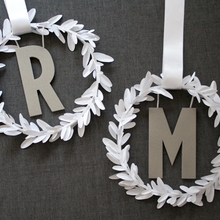 1417470162 ideas homepage 1369852699 content diy diy modern monogram wreath 1