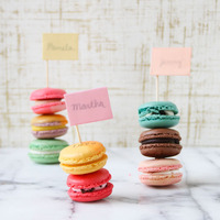 DIY: Stacked Message Macaron Place Cards