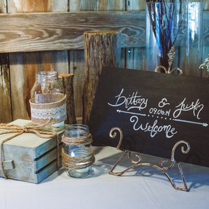 Barn Chic Welcome Table