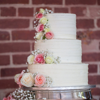 Classic Romantic Wedding Cake