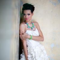 Bright Modern Bridal Style