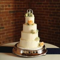 Sweet Classic Wedding Cake